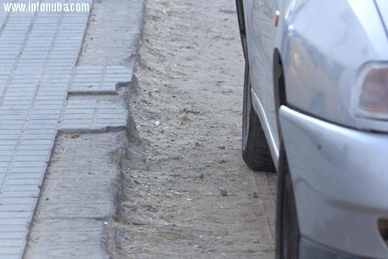 Acerado en malas condiciones en la Calle Norte La Granada de Riotinto