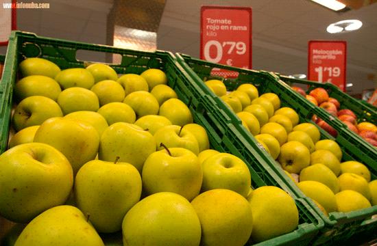 Frutas expuestas en un supermercado de la provincia de Huelva