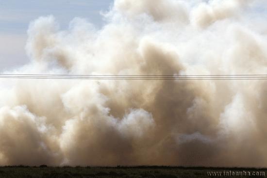 El incendio provocó un denso humo