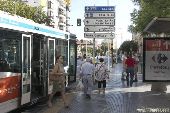 Una parada de autobus en la Avenida Federico Molina