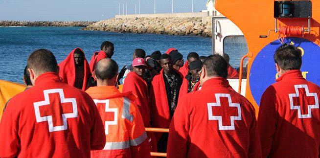 Imagen de inmigrantes en su llegada a costas españolas