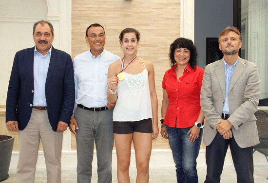 Recepción en la Diputación de la campeona del mundo de Bádminton Carolina Marín