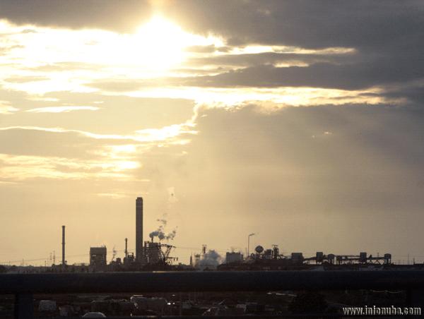 Imagen de una industria en la provincia de Huelva.