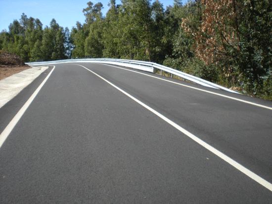 Imagen  de una carretera en la que se han efectuado inversiones