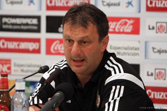 El técnico de la Ponferradina, José Manuel Díaz minutos después del partido en rueda de prensa.