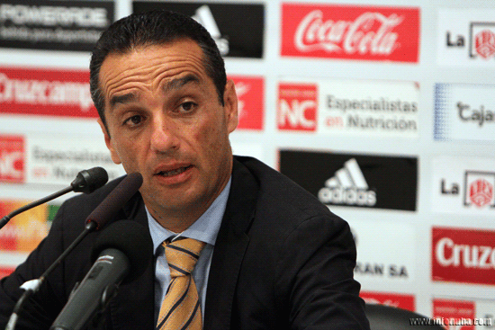 El técnico del Recreativo de Huelva, José Luis Oltra, minutos después del partido en rueda de prensa.