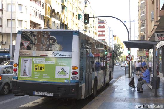 Una parada de autobus situada en la Avenida Federico Molina