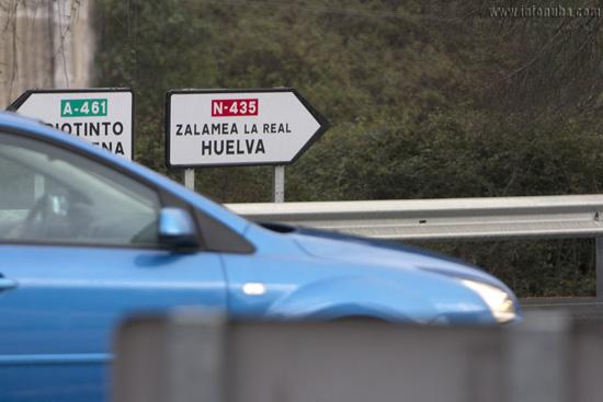 Imagen de la carretera N-435 a su paso por Zalamea la Real.