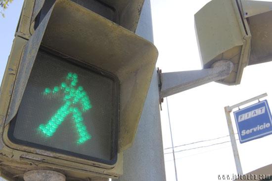 Uno de los semáforos situados en la N-435
