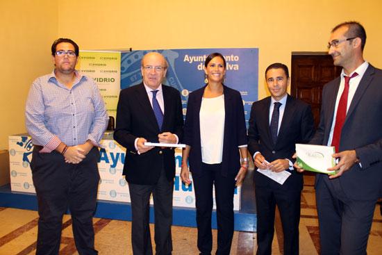 Entrega de premios de la Campaña Municipal para fomentar el reciclado de vidrio en Colombinas.