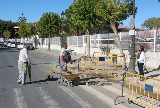 Obras junto al colegio Virgen de Montemayor.