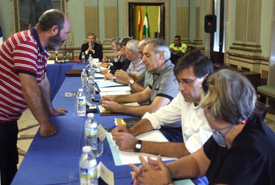 Pedro-Jiménez-(IU)-junto-integrantes-de-la-Plataforma-Recupera-Tu-Ría,-Altea-y-Ecologistas-en-Acción