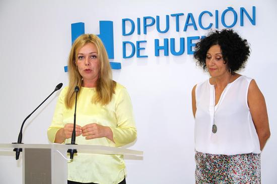 La diputada de Bienestar Social, Rocío Cárdenas y la técnica del Departamento de Igualdad, Cinta Entenza, encargada de impartir este taller.