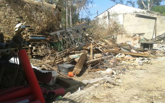 Restos del tornado que afecto a la localidad de Valdelamusa.
