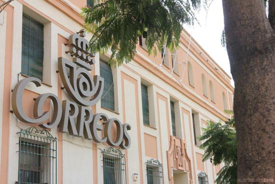 Oficina de Correos en Huelva.