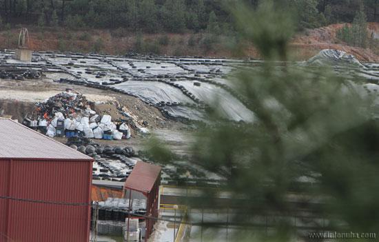 Imagen del vertedero de residuos tóxicos y peligrosos de Nerva en la tarde de hoy.
