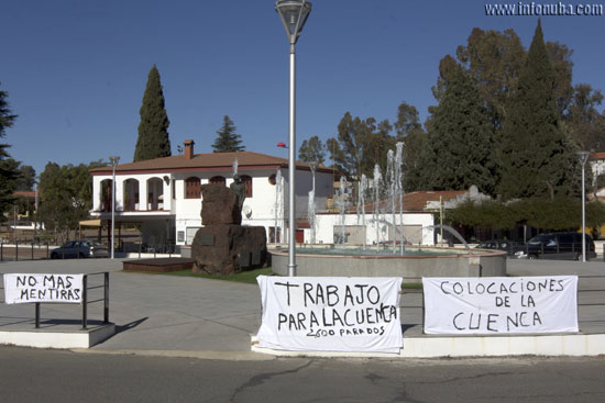 Pancantas en las inmediaciones del Ayuntamiento de Minas de Riotinto.