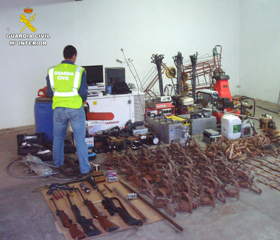 Materiales intervenidos por la Guardia Civil.