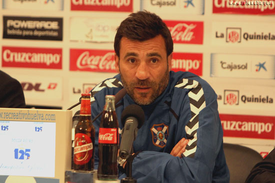 Raúl Agné en rueda de prensa.