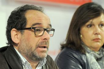 Rueda de prensa de Pedro J. Linares y Marisa Rufino.