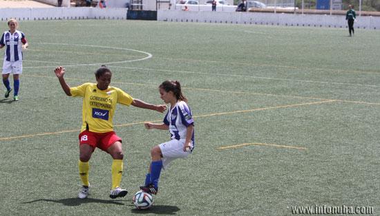 Ua imagen del encuentro entre Sporting Club de Huelva y el Santa Teresa de Badajoz