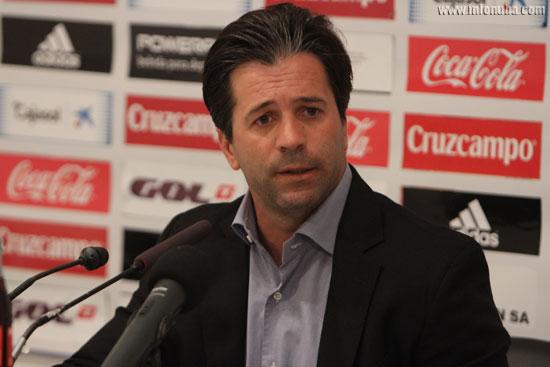 José Dominguez en rueda de prensa.