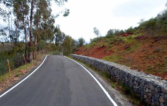 La Diputación de Huelva, a través del Área de Infraestructuras, ha mejorado el camino que une los núcleos de Las Delgadas y Marigenta.