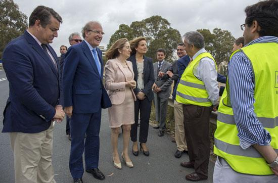 Visita  a Huelva de la ministra de Fomento.