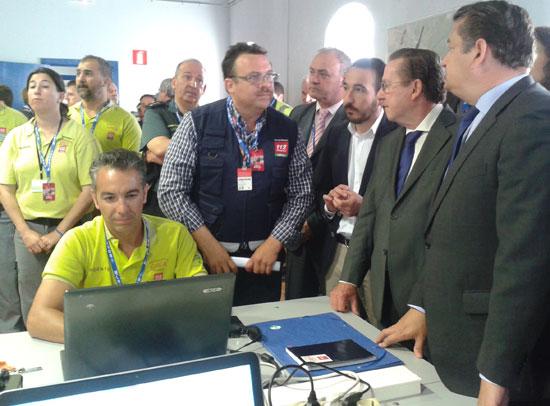 El delegado del Gobierno en Andalucía, Antonio Sanz, ha realizado esta mañana un recorrido por las instalaciones del Puesto de Mando Avanzado (PMA) del dispositivo de seguridad organizado de cara al Campeonato Mundial de Motociclismo.