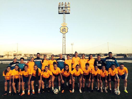 Las jugadoras del Sporting posan para la fotografía de grupo.