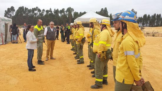 El simulacro de incendio forestal se ha desarrollado en el término municipal de Beas y ha escogido como escenario la aldea de Fuente de la Corcha