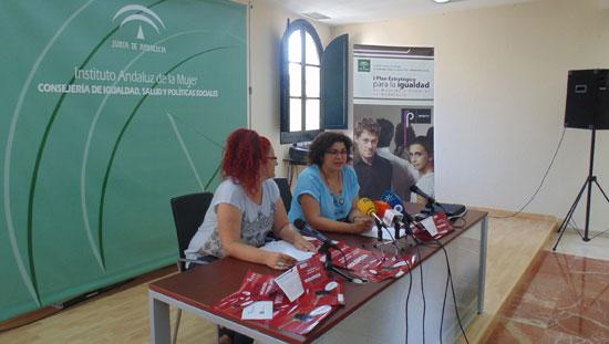 El Instituto Andaluz de la Mujer (IAM) y la Federación de Mujeres Vecinales de Andalucía (FEMUVA) van a poner en marcha la Red Vecinal de Apoyo a Víctimas de Violencia de Género.