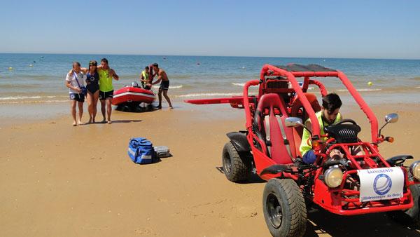 Esta mañana se ha realizado en la Playa del Parador de Mazagón un simulacro de salvamento y socorrismo.