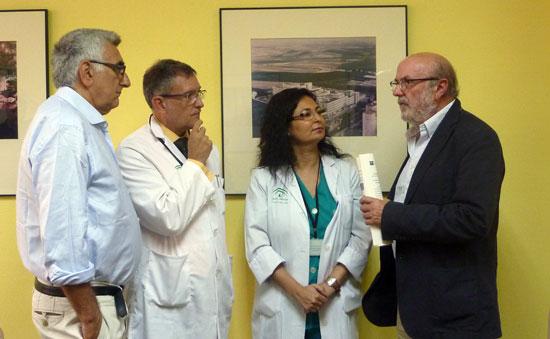 Algunos de los especialistas en Medicina Interna y profesionales de enfermería que desarrollan su ámbito de trabajo en estas Unidades