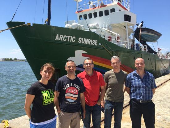 Visita a Huelva del barco de Greenpeace Artic Sunrise.