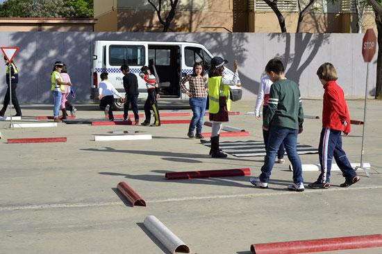 La Policía Local de Huelva finaliza hoy el Plan Especial de Colegios, un programa que puso en marcha el pasado mes de septiembre y que ha supuesto la realización a lo largo de todo el curso académico de un total de 1.354 servicios.