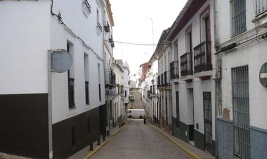 Imagen de una calle de Cortegana.