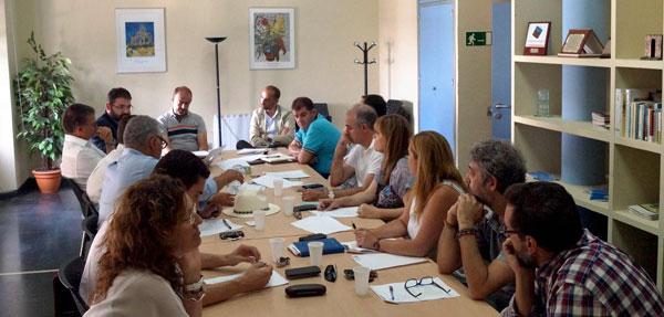 Los representantes del Patronato Provincial de Turismo de Huelva, la Denominación de Origen Protegida Jabugo (actualmente Jamón de Huelva), el Club de Producto Ruta del Jabugo y la Asociación de Empresas Turísticas de la Sierra de Aracena y Picos de Aroche, promotores de 'La Rebelión del JAMÓN', han mantenido una reunión para coordinar este evento.
