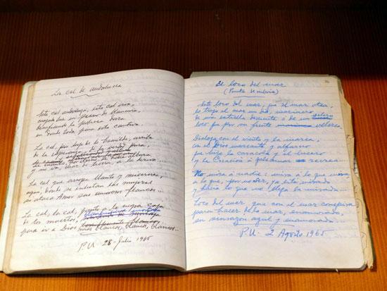 Uno de los cuadernos expuestos