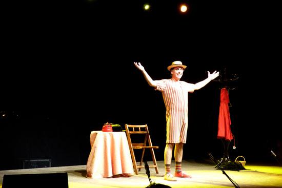 """Il Gondoliero de Triana se representó en el Campus de La Rábida dentro de los """"Miércoles de Humor"""". Es una comedia teatral de humor absurdo y surrealista."""