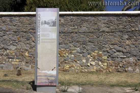 Imagen de uno de los paneles situado en la Barriada de Bellavista