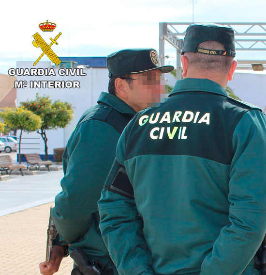 Agentes de la Guardia Civil en Cartaya
