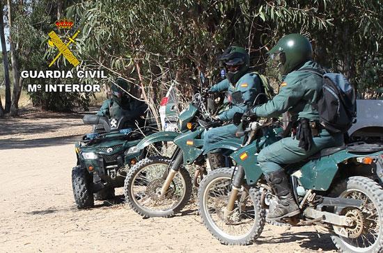 Imagen de algunos Agentes del Servicio de Protección de la Naturaleza de la Guardia Civil.