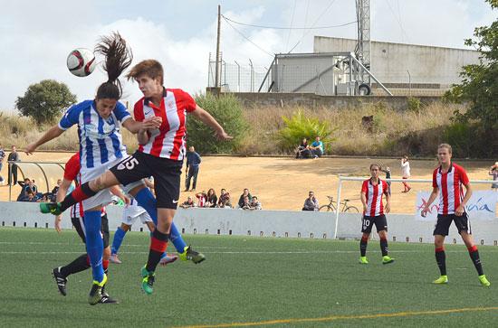 Imagen de un encuentro entre el Sporting de Huelva y el Athletic de Bilbao la pasada temporada.