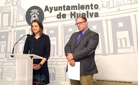 La concejala de Participación Ciudadana, María José Pulido y el consejero delegado de Ibemetex, Rafael Sánchez han presentado esta mañana en rueda de prensa la iniciativa 'Mayores de Cine'.