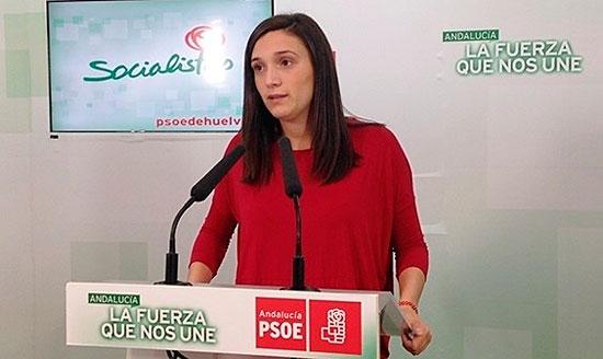 La vicesecretaria general del PSOE de Huelva, María Márquez, en rueda de prensa.