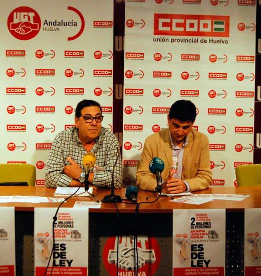Los secretarios generales de CCOO, Emilio Fernández, y de UGT, Francisco Espinosa, han presentado en rueda de prensa la Iniciativa Legislativa Popular.