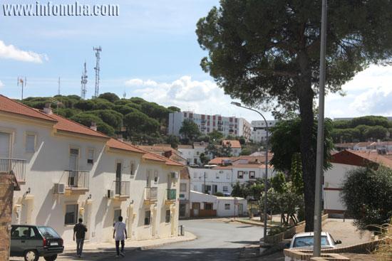 Imagen de las antenas desde el barrio de El Valle.