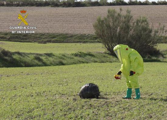 Intervención de uno de los agentes especialistas del Grupo de Desactivación de Artefactos Explosivos (GEDEX).