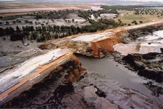 Imagen del desastre de Aznalcóllar en 1998.